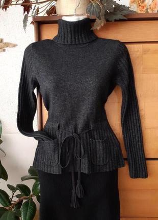 Стильный свитер-гольф  немецкого бренда модной женской одежды oui