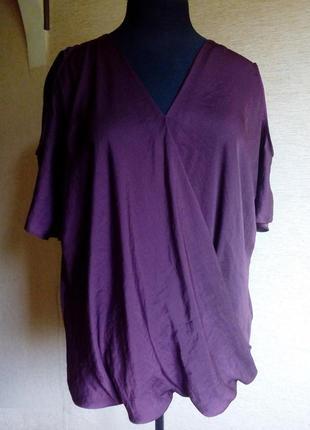 Блузка с открытыми плечами на 60/62 размер