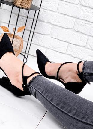 Новинка стильные туфли