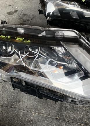Фара передняя правая права LED Nissan X-Trail T32 Rogue 2018