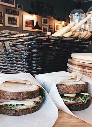 Продается прибыльный сэндвич-бар на улице Сечевых стрельцов. С...
