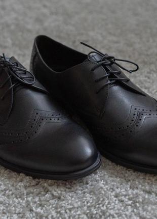 Мужские кожаные туфли икос чёрные броги