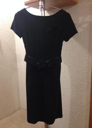 Актуальное платье с широким поясом