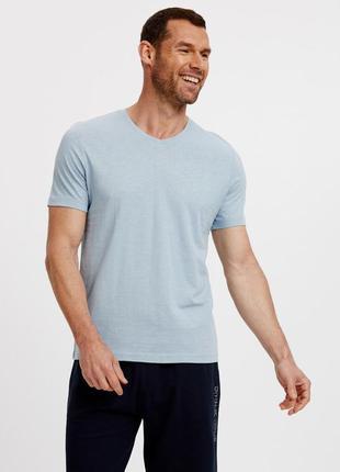 Мужская футболка lc waikiki небесного цвета с v-образным вырезом