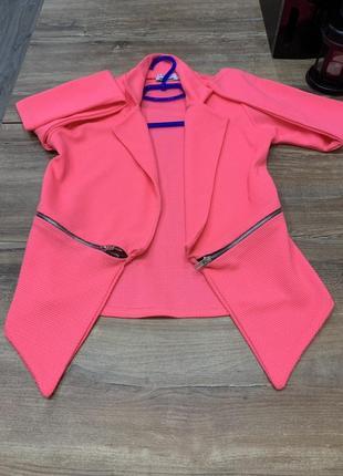 Пиджак жакет фактурный яркий розовый  без застежки с отложным ...
