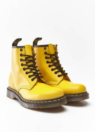 Ботинки dr. martens желтые smooth leather original