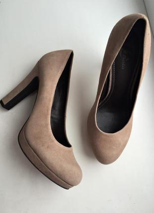 Кожаные туфли замшевые, нюд бежевые классические, bata 38 р.