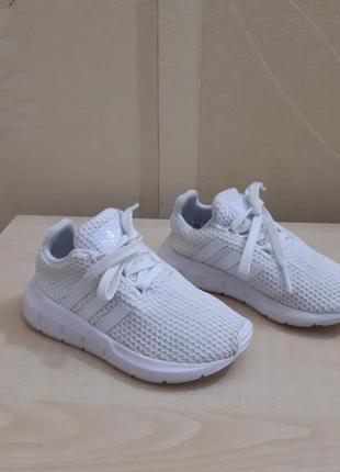Кроссовки adidas swift run оригинал размер 24