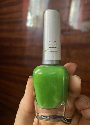 Яркий салатовый кислотный большой качественный лак для ногтей