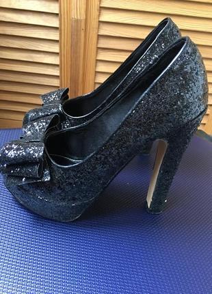 Шикарные вечерние туфли