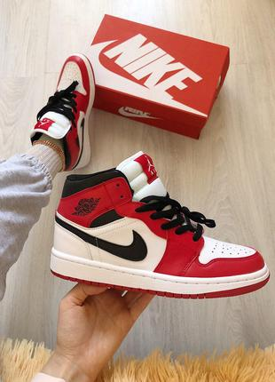 Кроссовки Nike Air Jordan 1 Mid Chicago