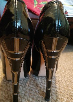 Туфли женские Beletta чёрные лаковая кожа