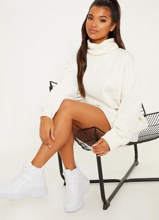 Теплое платье свитер на флисе, молочного цвета