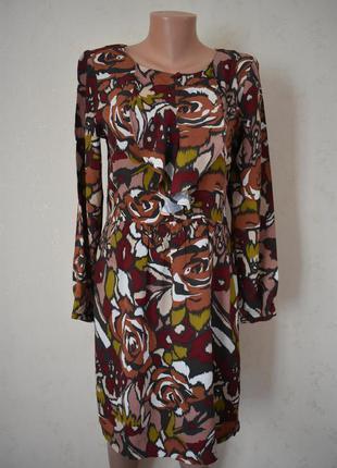 Новое красивое вискозное платье с принтом