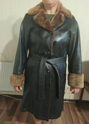 Плащик, пальто кожаное. натуральный мех