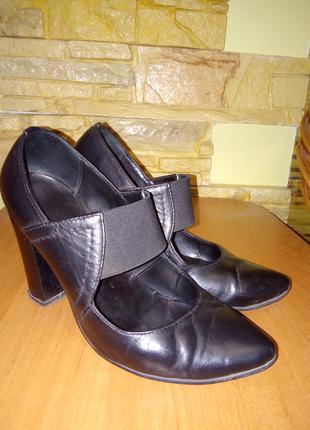 Туфли кожаные  размер 34