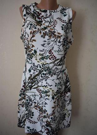 Новое платье с принтом warehouse