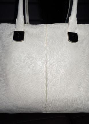 Стильная большая сумка из натуральной кожи hobbs