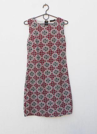 Летнее трикотажное фактурное платье без рукавов на молнии