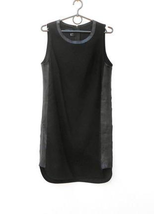 Черное трикотажное платье с кожаной отделкой на молнии