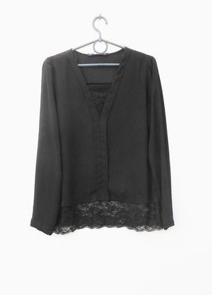 Черная блузка с длинным рукавом с кружевом