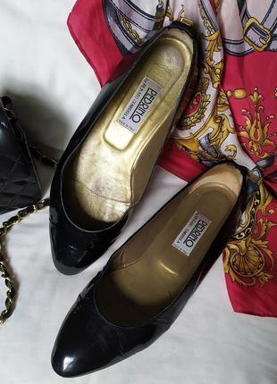 Винтажные классические кожаные лаковые туфли лодочки балетки