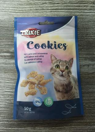 Смачні ласощі для котика Trixie