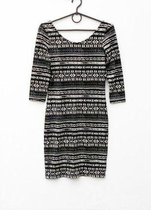 Трикотажное облегающее платье хлопковое с орнаментом с рукавом...