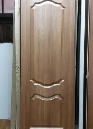 Двери межкомнат Фортис V (Вензель) 70см золотая ольха Новый Стиль