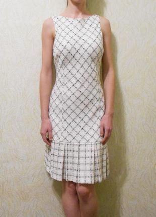 Классическое приталенное платье в клетку  zara