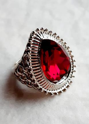 Серебряное кольцо с ГРАНАТОМ (имитация), р.18, 925 проба, 238/8