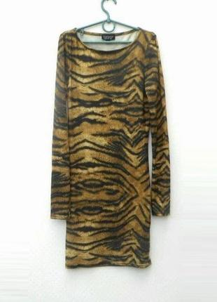Трикотажное облегающее повседневное платье с длинным рукавом t...