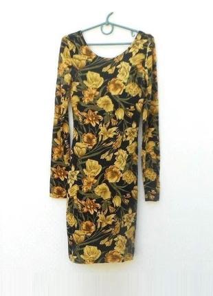 Облегающее трикотажное платье из вискозы с длинным рукавом c р...
