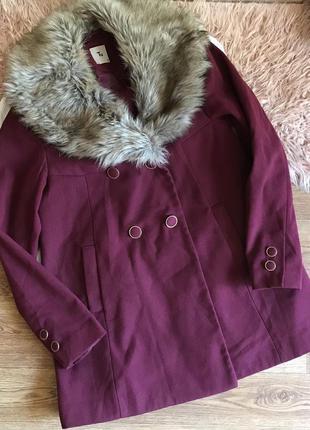 Красивое пальто с мехом{l}