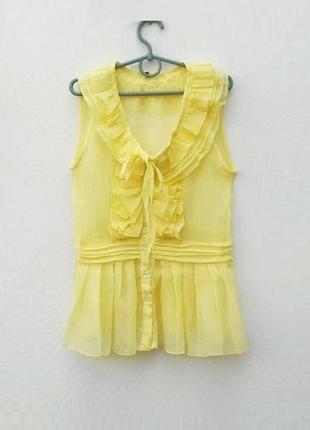 Легкая летняя блузка с рюшами без рукавов