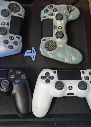 Sony Playstation 4 pro 1tb + 4 джойстика