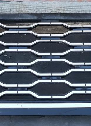 Land Rover Range Rover L405 Решетка радиатора LR098080