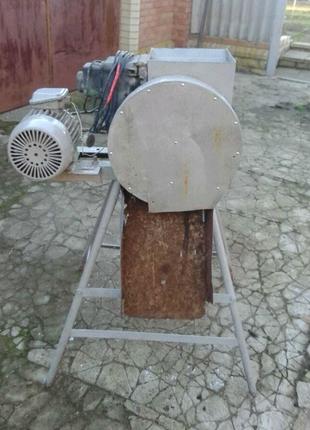 Продам б/у электроконерезку