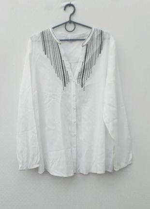 Белая летняя блузка с вышивкой с длинным рукавом