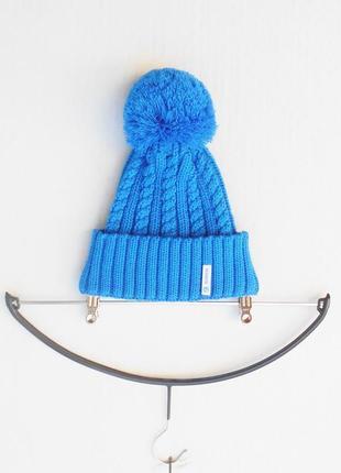 Вязаная шапка с помпоном с  шерстью