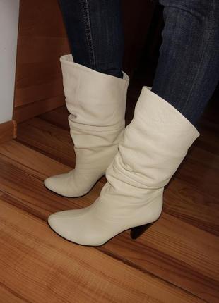 Зимние кожаные ботинки сапоги на каблуке