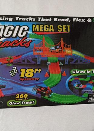 Детская гоночная трасса Magic Tracks на 360 деталей с машинкой.