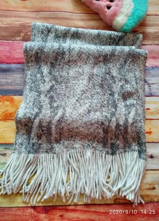 Молочный шарф с люрексом matalan