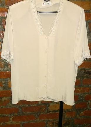 Нежная блуза топ из мокрого шелка с кружевным декором