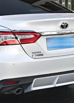 Диффузор юбка накладка заднего бампера Toyota Camry 70 2018+