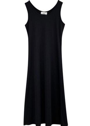 Чёрное платье в пол с разрезом