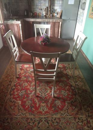 Продам обеденный стол и стулья комплект