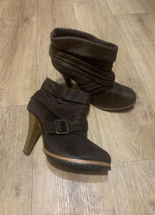Стильные туфли ботильоны весна/осень