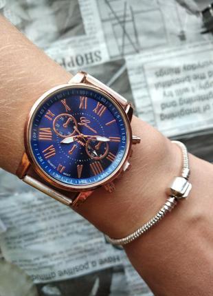 Часы наручные женские на силиконовом ремешке годинник