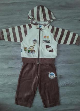 Велюровый костюм на 3-6 месяцев